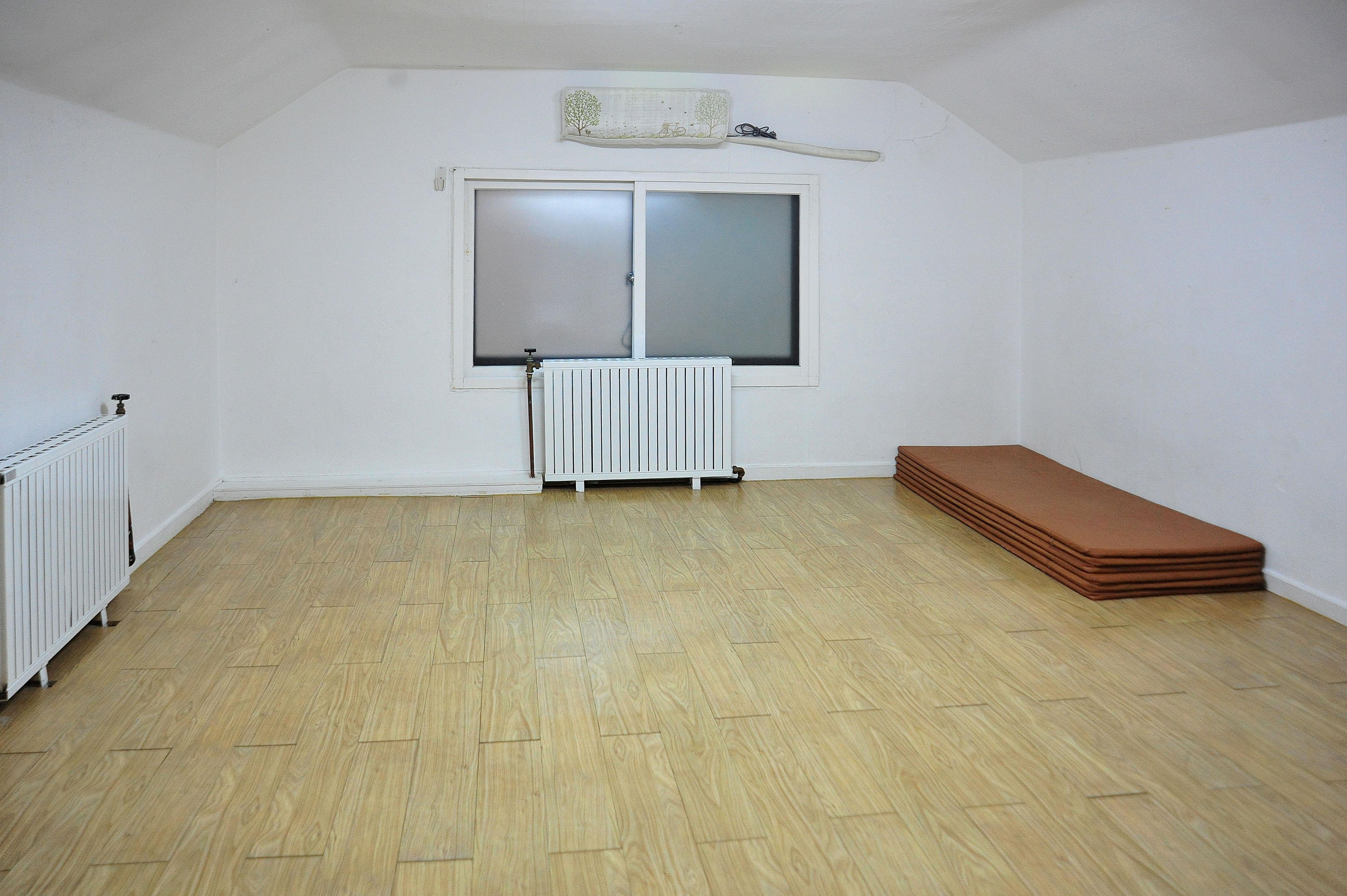 크리스 하우스 2층방/10인실