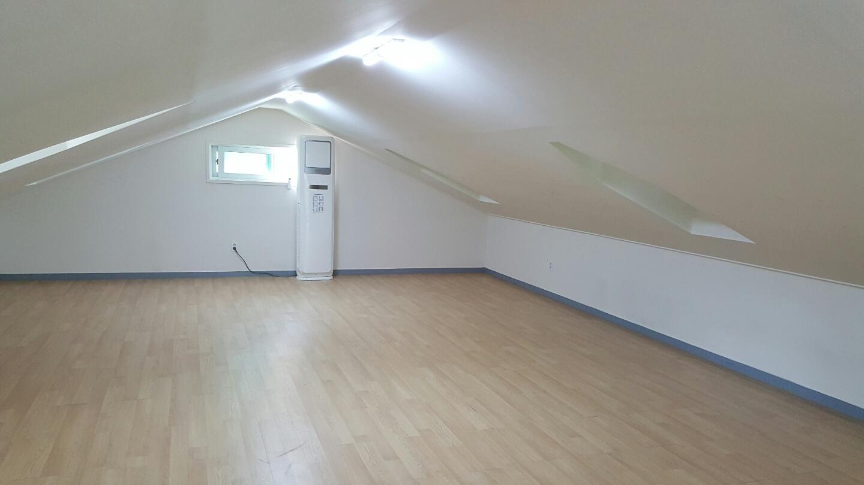 버드나무관 2층 2-2호실