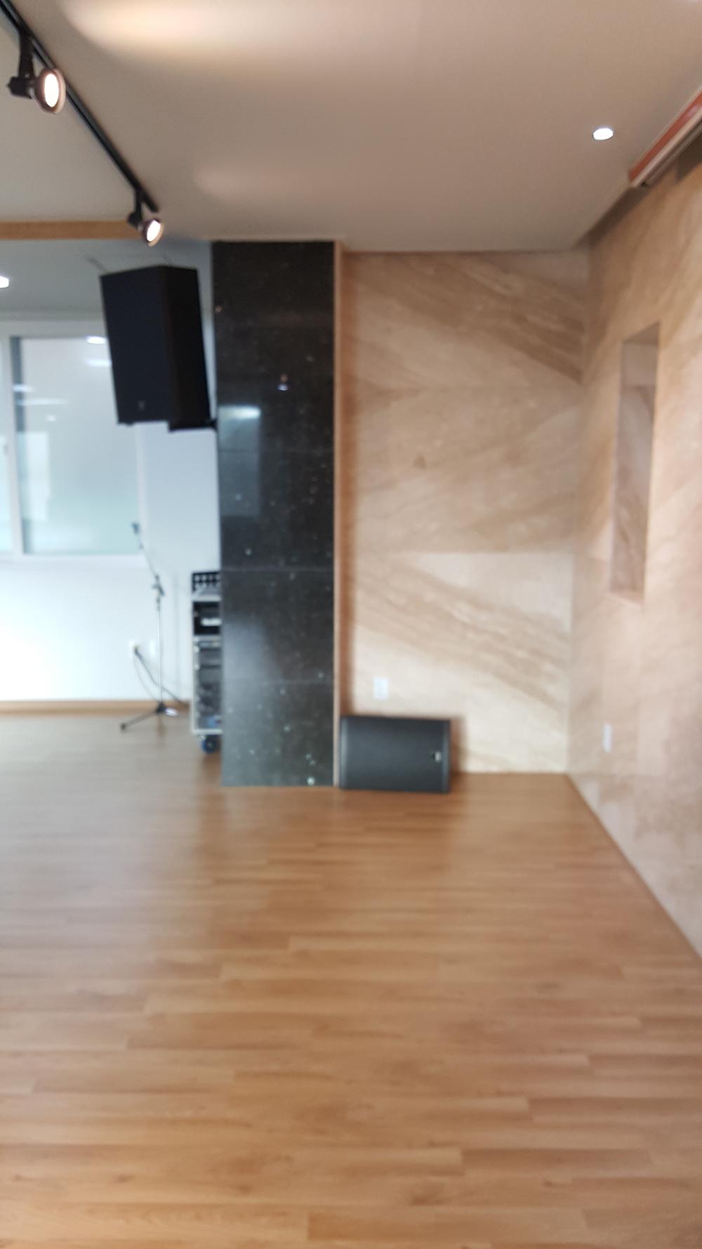 단풍나무관 1층 예배실