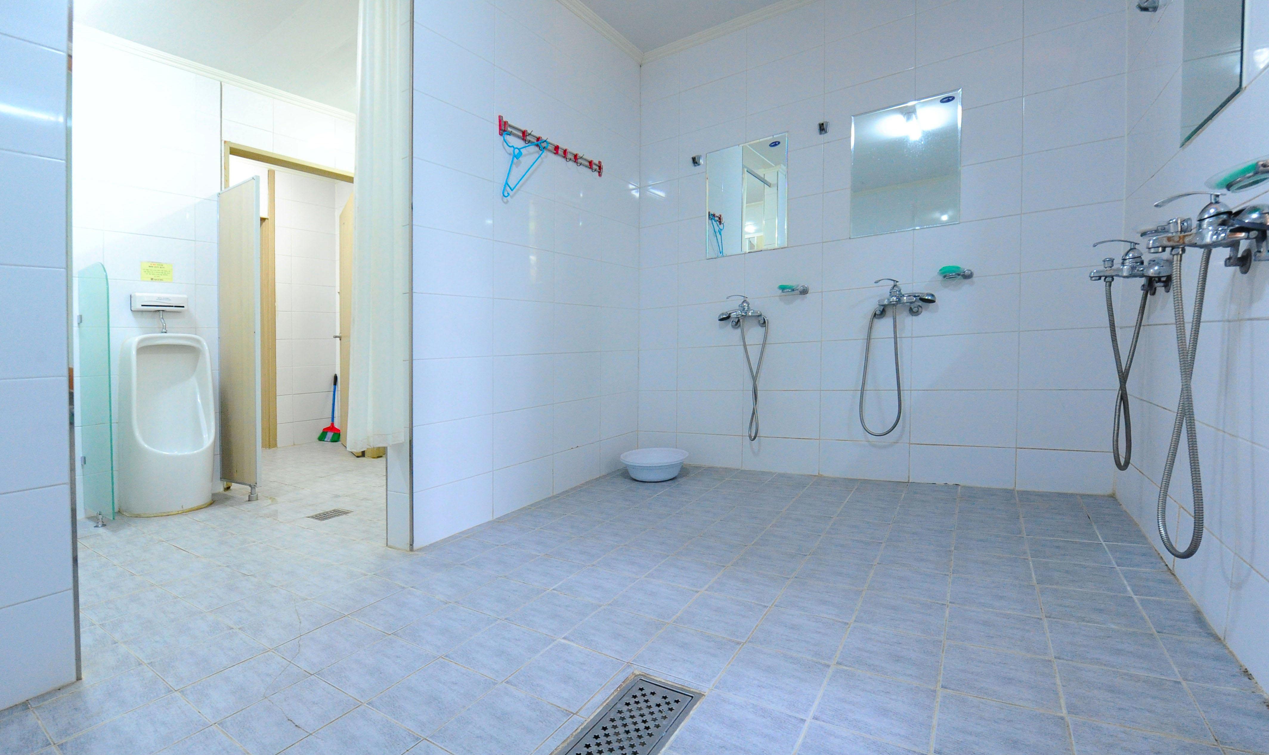 마이어즈관 2층 남자 화장실 /샤워실