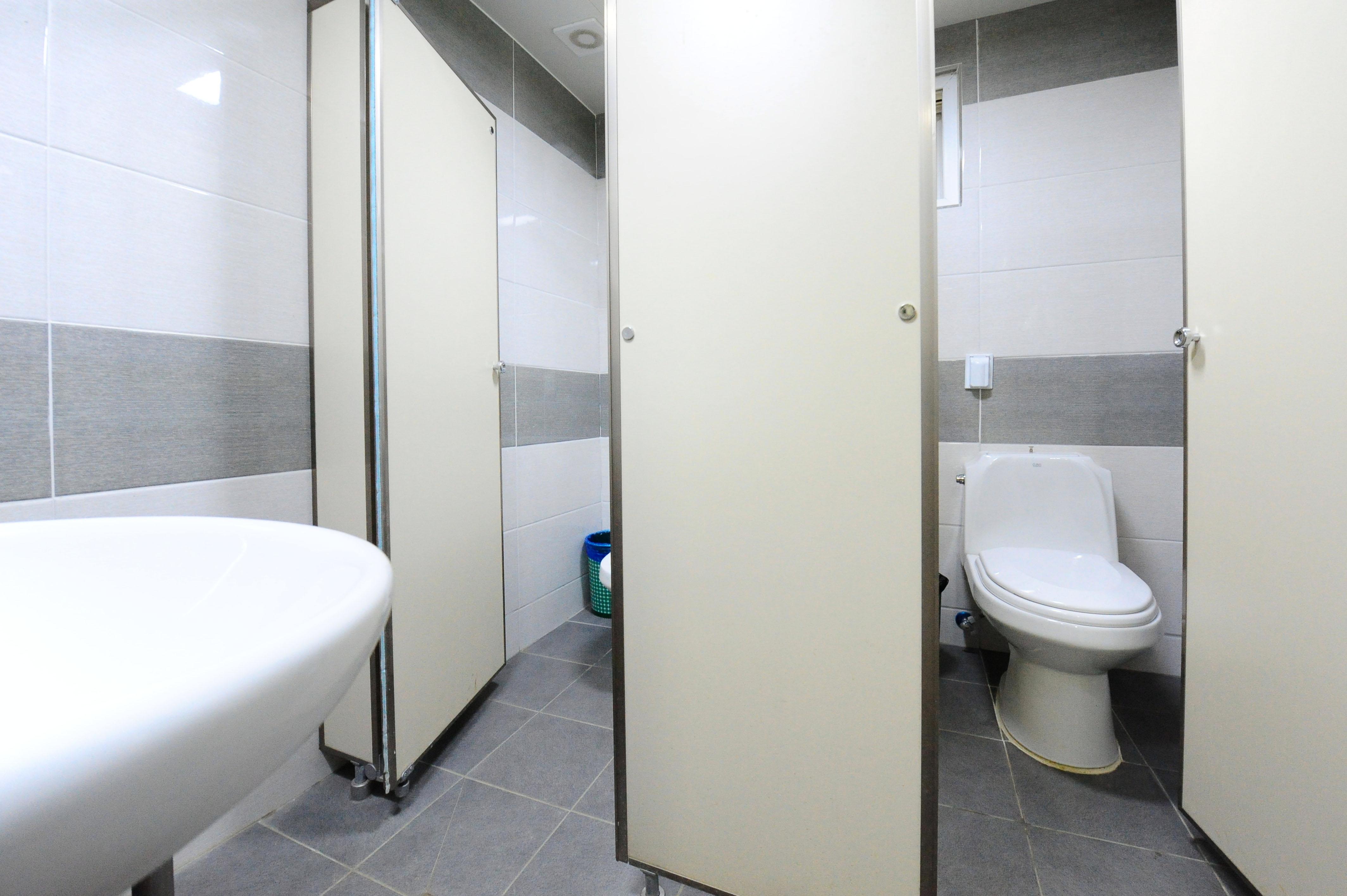 단풍나무관 2층 여자 화장실