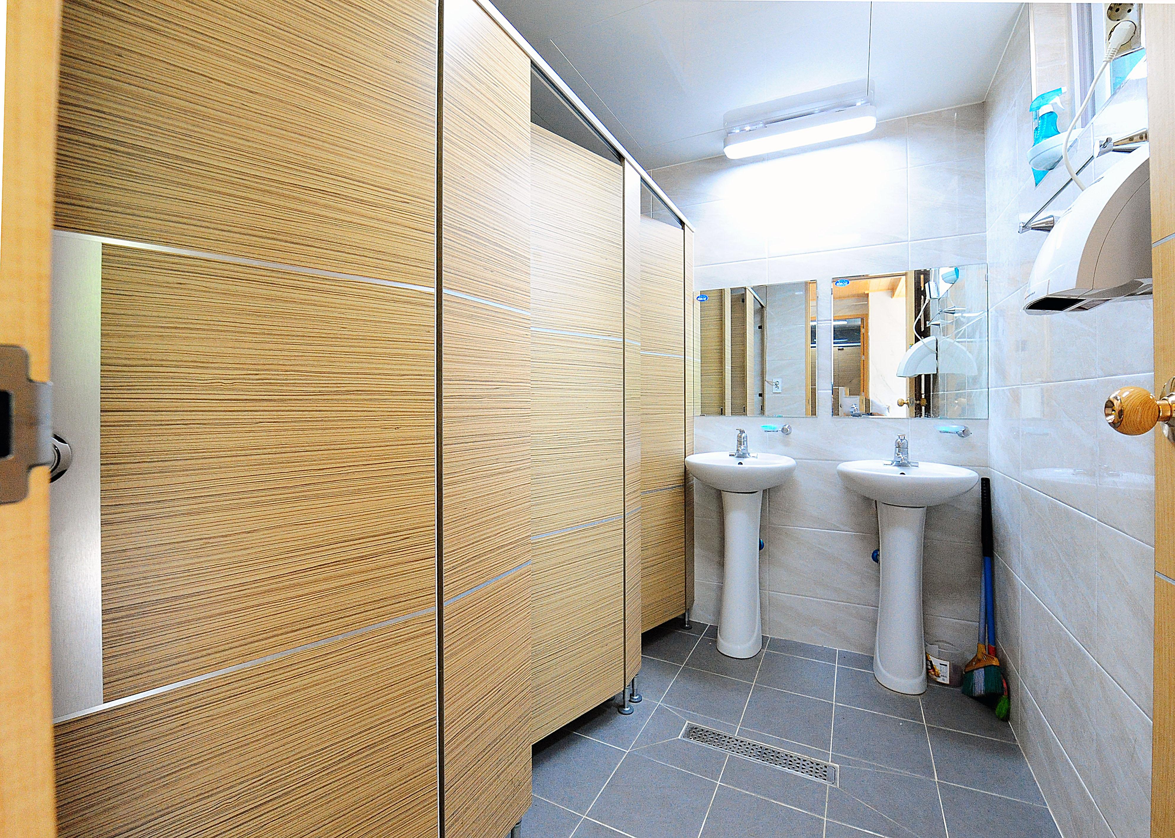 벚나무관 2층 여자 화장실