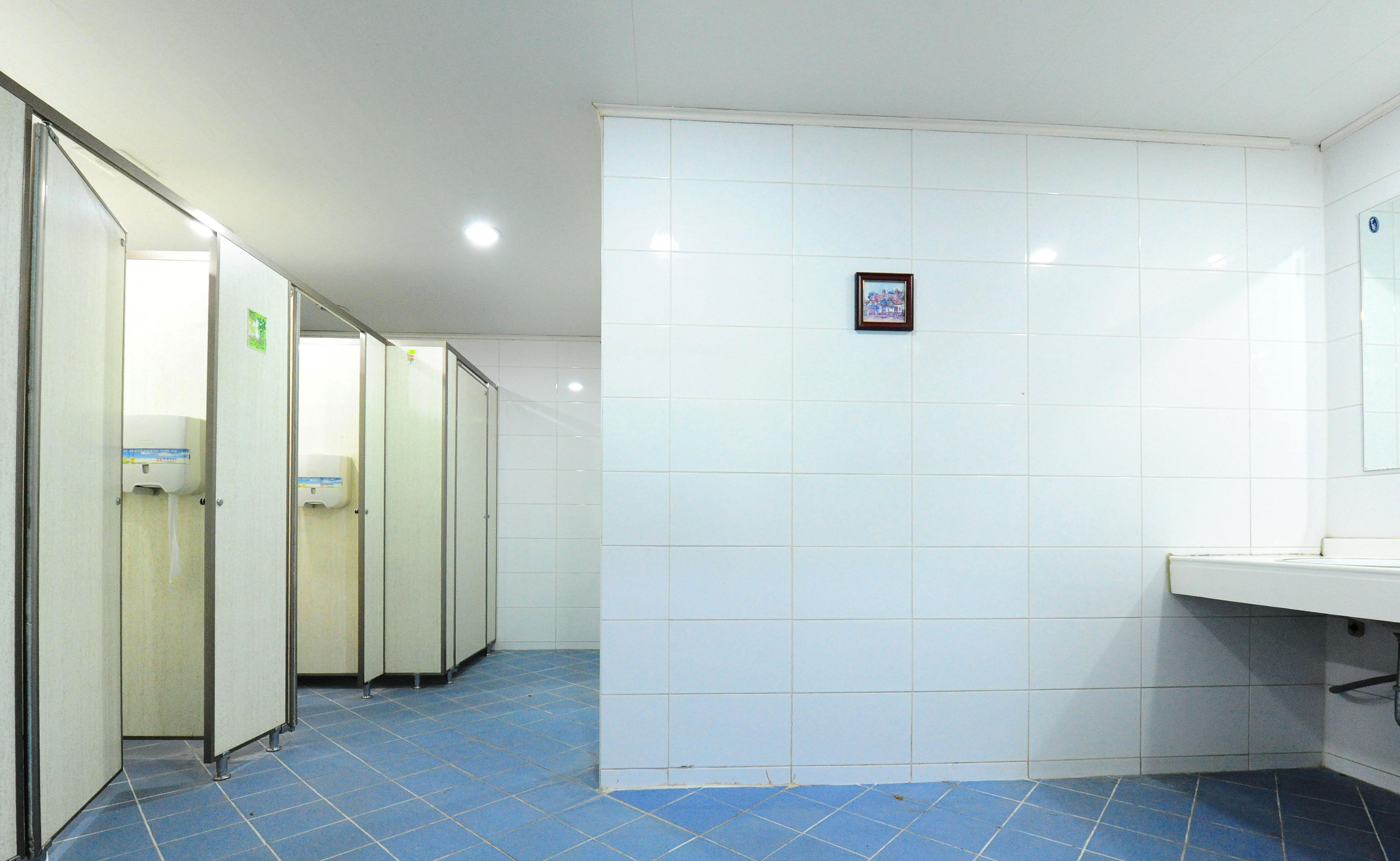 3층 남, 여 화장실